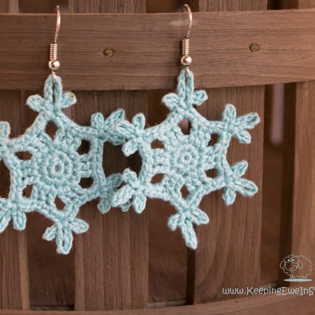 Snowflake crochet earring in ice blue